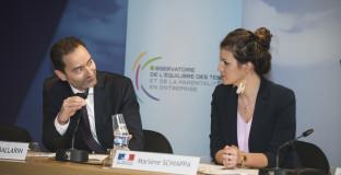 Signature de la charte de la parentalite en entreprise et presentation du barometre OPE 2017 au siege de l'UNAF a Paris, en presence de la secretaire d'Etat a l'egalite entre les hommes et les femmes Marlene Schiappa. Le 30/06/2017